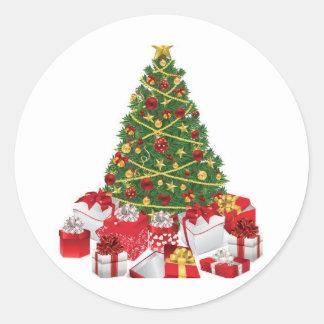 Árbol de navidad con los regalos etiqueta