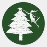 Árbol de navidad de la hada del arte pegatina redonda