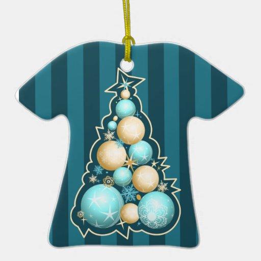 Árbol de navidad de los globos de la turquesa y adorno de cerámica en forma de camiseta