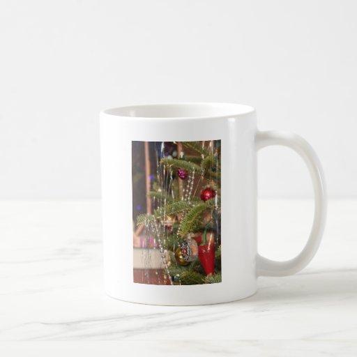 ¡Árbol de navidad de O! Tazas De Café