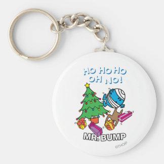 Árbol de navidad de Sr. Bump Decorating A Llavero Redondo Tipo Pin