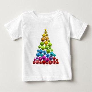 Árbol de navidad del ornamento del arco iris playeras