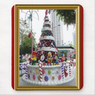 Árbol de navidad del pastel de bodas, Singapur Tapetes De Ratones