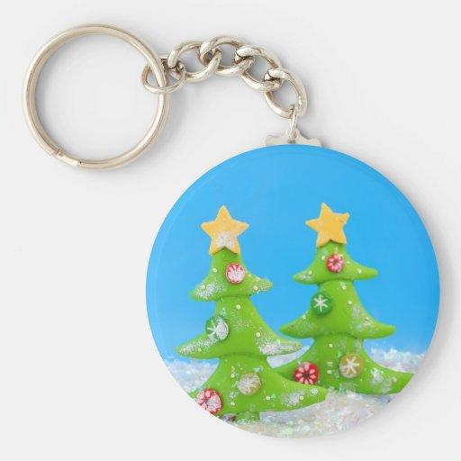 Árbol de navidad en nieve del brillo llavero personalizado