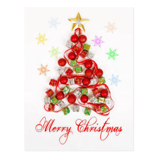 Árbol de navidad hecho de decoraciones postales