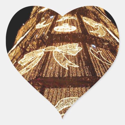 Árbol de navidad iluminado hecho hombre pegatina corazon