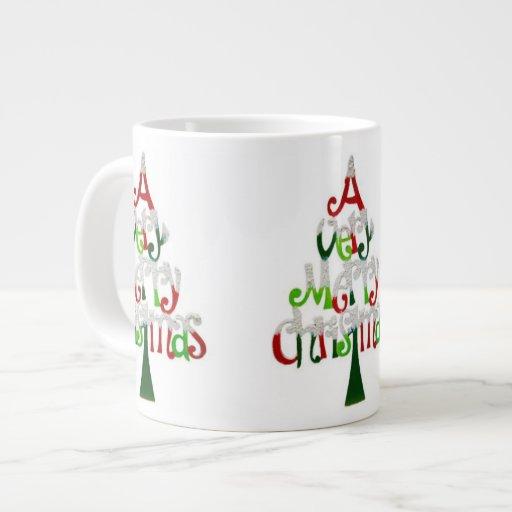 Árbol de navidad muy feliz taza grande