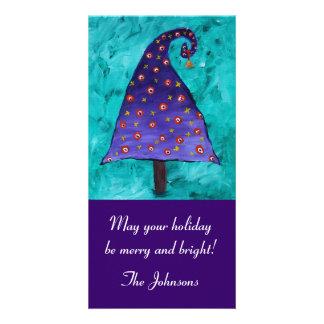 Árbol de navidad púrpura caprichoso tarjeta con foto personalizada