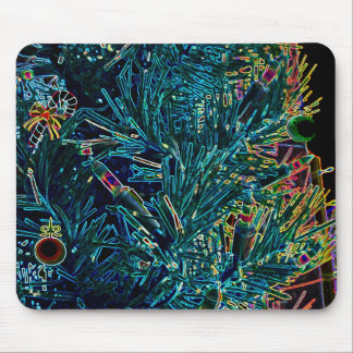 Árbol de navidad que brilla intensamente en alfombrilla de raton