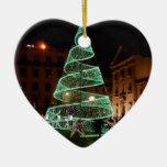 Árbol de navidad verde iluminado adorno de cerámica en forma de corazón