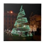 Árbol de navidad verde iluminado tejas  ceramicas