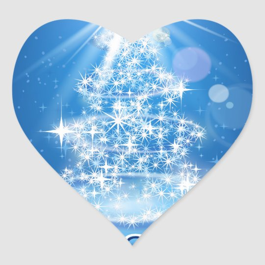 Árbol de navidad y luz sobre fondo azul pegatina en forma de corazón