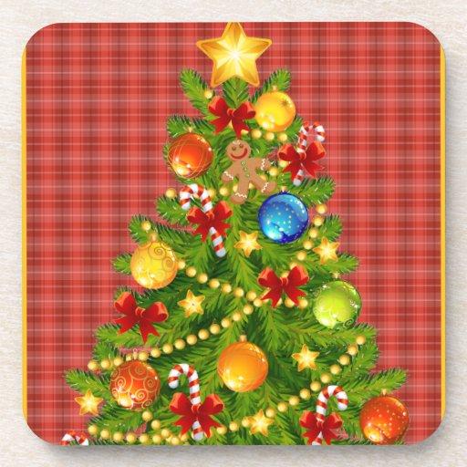 Árbol de navidad y tela escocesa roja posavaso