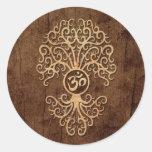 Árbol de OM con el efecto de madera del grano Pegatina Redonda
