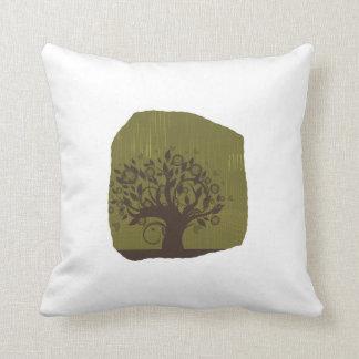 Árbol de Swirly con los corazones verdes olivas de Cojines