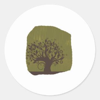 Árbol de Swirly con los corazones verdes olivas Pegatina Redonda
