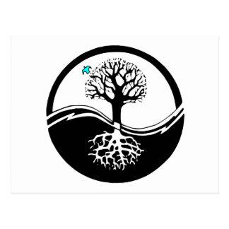 Árbol de Yin Yang del negro y del blanco de la Postal