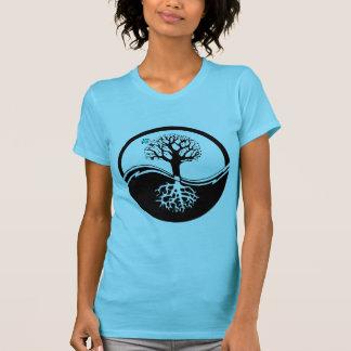 Árbol de Yin Yang del negro y del blanco de la vid Camiseta