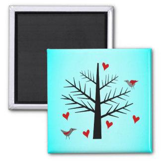 Árbol del amor con los corazones y los pájaros imán de frigorifico