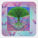 Árbol del arco iris de la vida con las alas del pegatina cuadrada