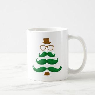 Árbol del bigote del navidad taza clásica