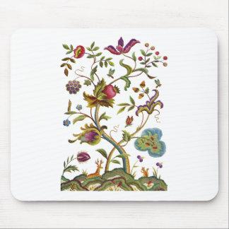Árbol del bordado jacobeo de la vida alfombrillas de raton