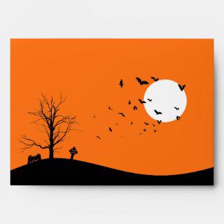 Árbol del cementerio A7 y sobres de Halloween de