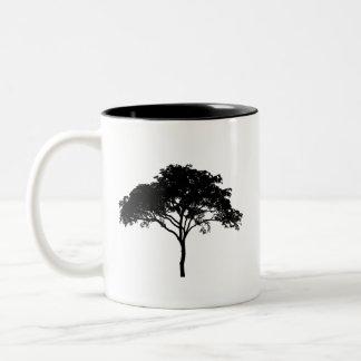 Árbol del cenador taza blanco y negro de 11 onzas