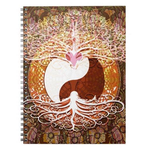 Árbol del corazón de Ying Yang de la vida Spiral Notebooks