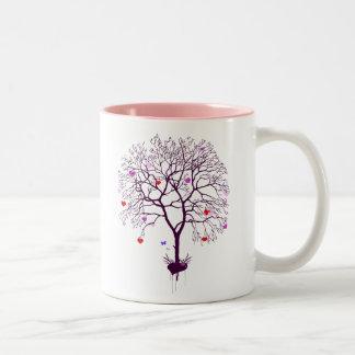 Árbol del corazón taza de dos tonos