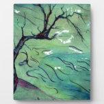 Árbol del flor y el río placa de madera