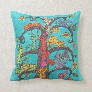 Árbol del gato de la vida cojín decorativo