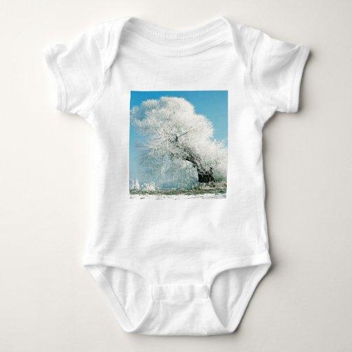 Árbol del hielo del invierno de la naturaleza t shirts
