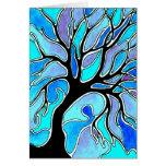 Árbol del invierno en azul tarjeta pequeña