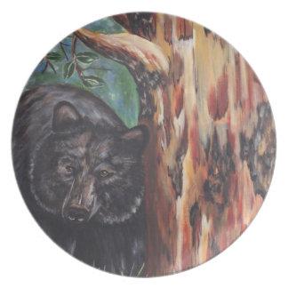 Árbol del oso negro y del Arbutus Plato De Cena