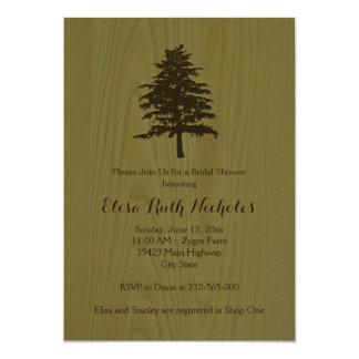 """Árbol en el arbolado verde de madera que casa la invitación 5"""" x 7"""""""