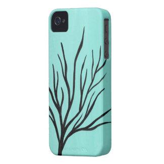 Árbol en el caso del iPhone 4 del diseño del fondo iPhone 4 Case-Mate Funda