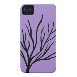 Árbol en el caso purpúreo claro del iPhone 4 del d iPhone 4 Funda