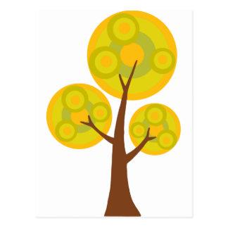 árbol en la caída postal