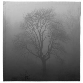 Árbol en la niebla servilleta imprimida
