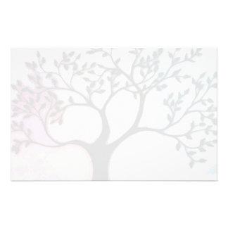 Árbol en la vitela sobre la acuarela - convertida  papeleria personalizada