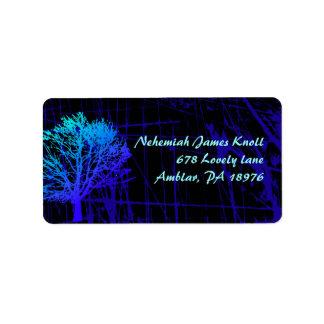Árbol en las etiquetas del remite de maderas etiqueta de dirección