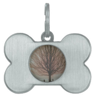 Árbol en productos de la caída placa de nombre de mascota