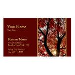 Árbol en tarjeta de visita del otoño