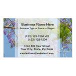 árbol florecido púrpura del jacaranda contra el ci tarjeta de negocio