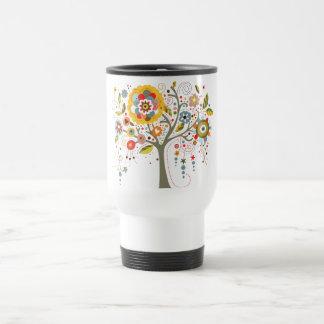 Árbol floreciente taza de café