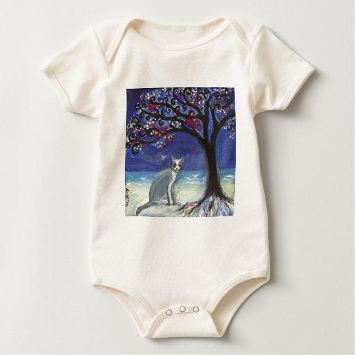 Árbol gris y blanco de la playa del océano de la m traje de bebé