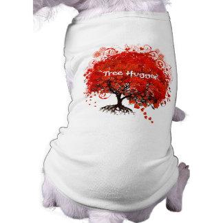 ¡Árbol Hugger! Árbol rojo con los corazones y los  Ropa Para Mascota