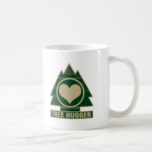 Árbol Hugger en el corazón Tazas De Café