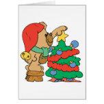 Árbol lindo del ajuste del oso del navidad tarjetón